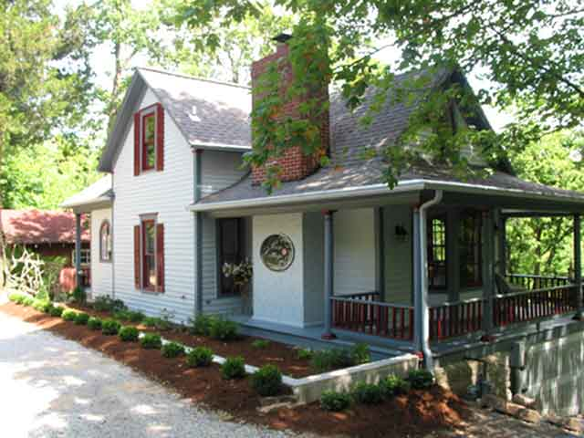 rose cottage in eureka springs arkansas rh eurekarosecottage com lodging eureka springs ar lodging eureka springs ar